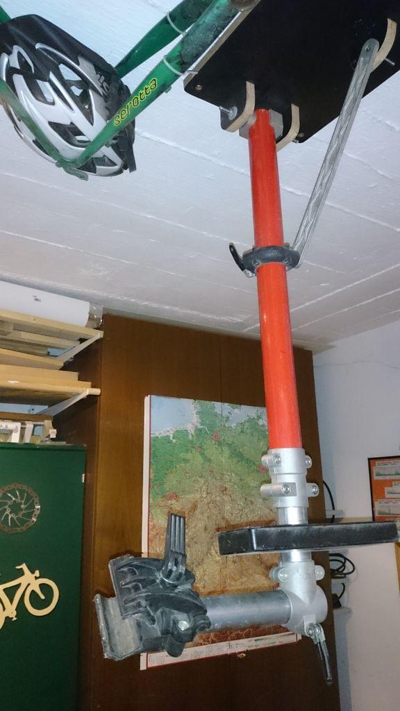 180° gedreht: Montageständer