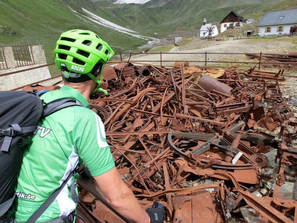Reste des plötzlich aufgegebenen Bergwerks