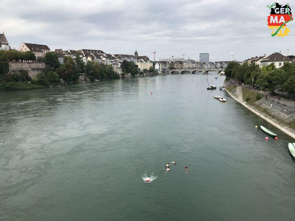 12:15 Start. Schwimmer im Rhein brauchen keine Karte. Ich schon...