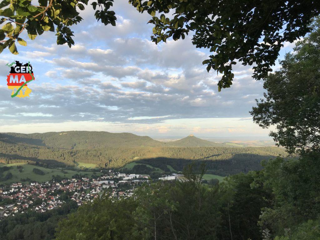 Der Tag beginnt mit Schloss Hohenzollern im Morgenlicht...