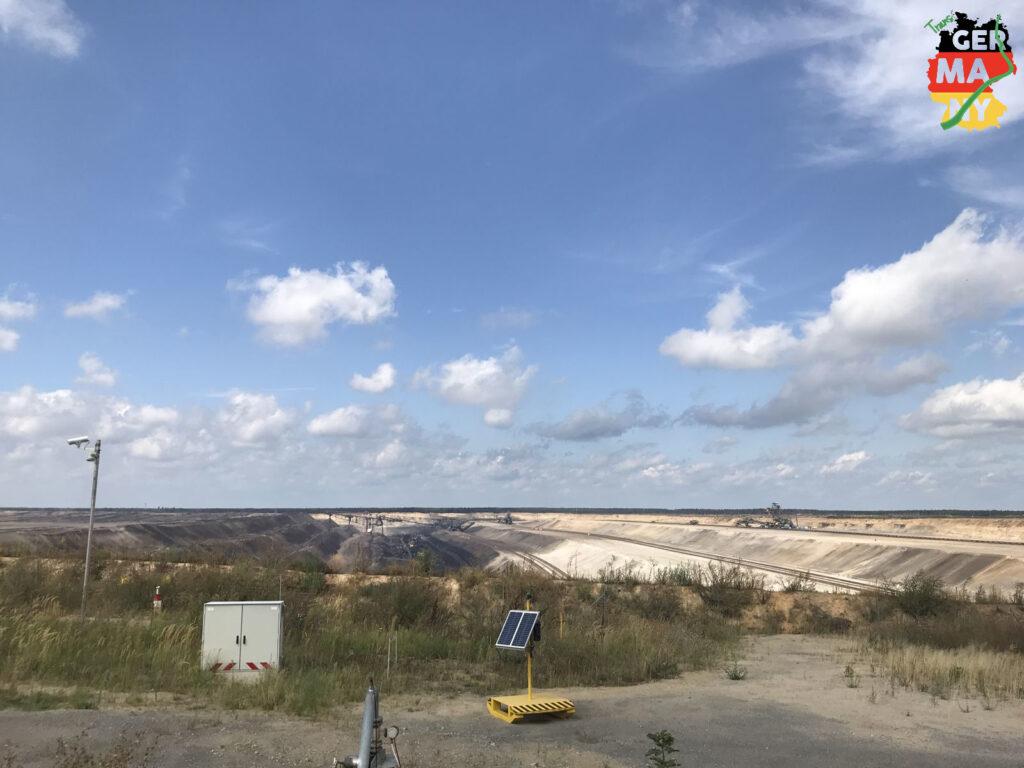 Nach dem Neiße-Radweg: das Tagebaugebiet Jänschwalde. Unglaubliche Erdbewegungen.