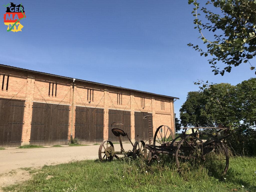 Alte Farm-Geräte in Friedrichsfelde.