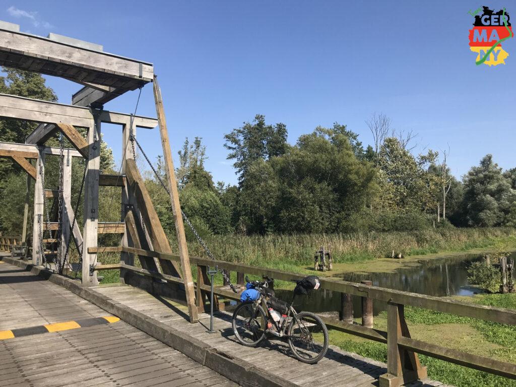 Zugbrücke in Nehringen.