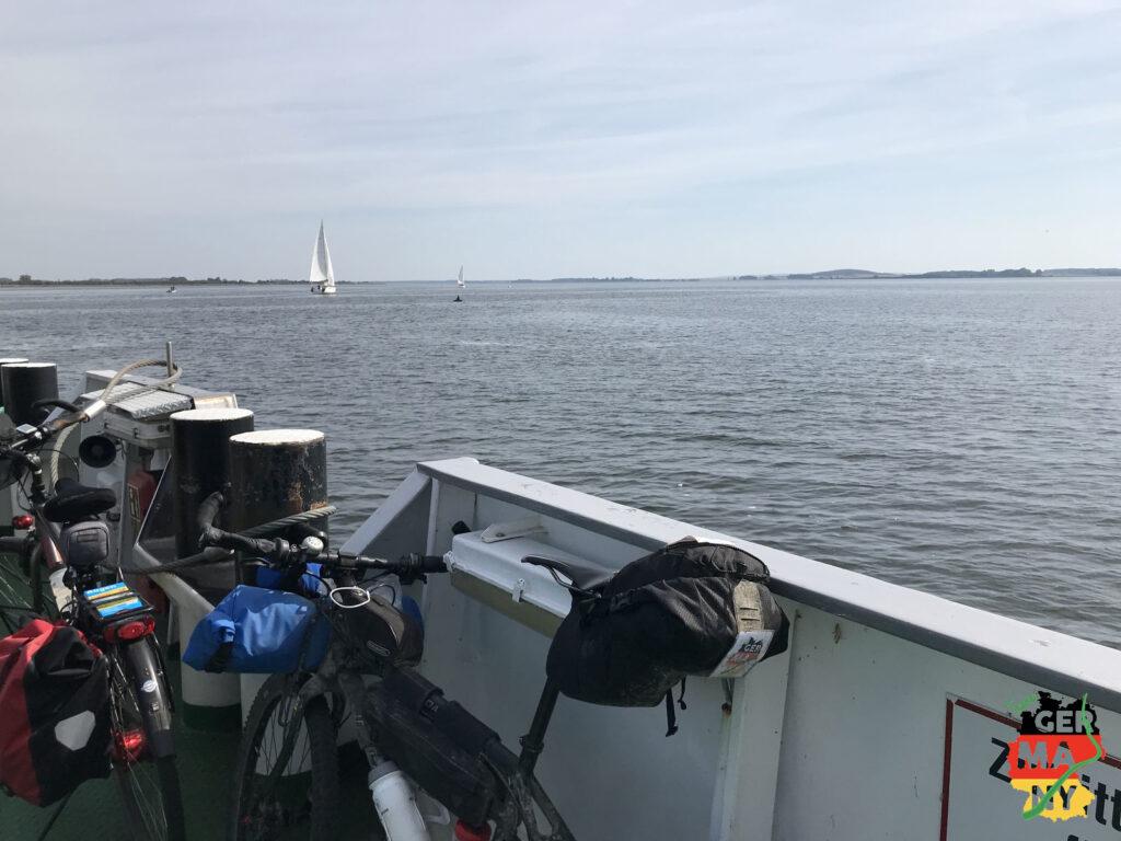 Blick zurück nach Stralsund von der Wittower Fähre.